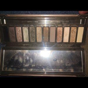 Naked 2 eyeshadow pallet *used